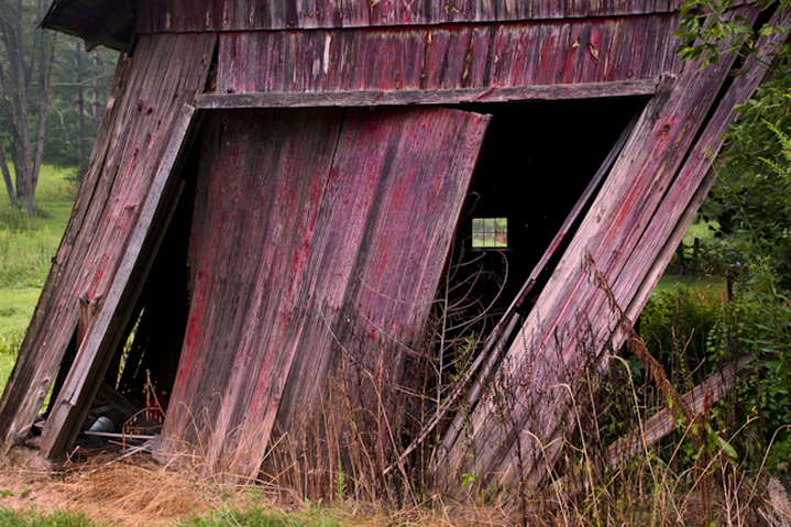 Old red leaning Ohio barn farmland scenery photography